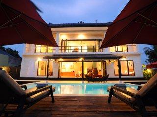 Family Surf La Villa Bintang, Batu Bolong, Canggu - Canggu vacation rentals