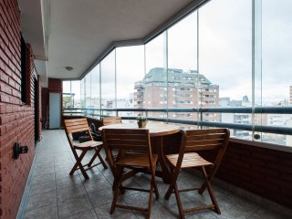 2 Bathrooms, Huge balcony & Great location! (9A) - Buenos Aires vacation rentals