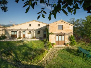 AGRITURISMO SERPANERA - CERQUONA - Sarnano vacation rentals
