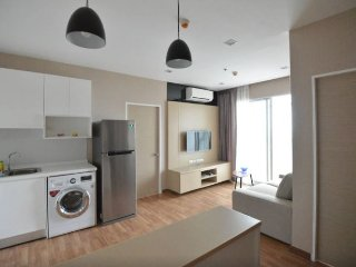 Large Corner Apartment near BTS - Bangkok vacation rentals