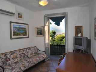 CAVOUR  - apartment with terrace in centre of Bellagio - Bellagio vacation rentals