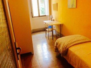 Appartamento ben posizionato vicino Stazione S.M.N - Florence vacation rentals