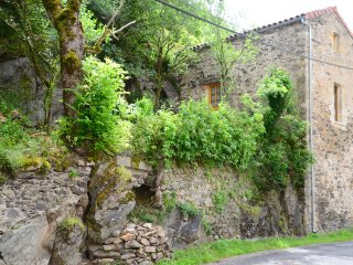 Aveyron Belle Vue Gite with garden. Pet friendly - Villefranche-de-Rouergue vacation rentals