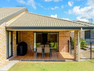 4 bedroom House with Internet Access in Brisbane - Brisbane vacation rentals