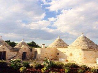 Trullo Ferragosto – Chic Cottage – sleeps 4 + 2 - Cisternino vacation rentals