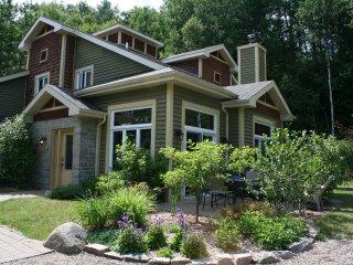 3 Bedroom Townhouse - Golf La Bete, Mont-Tremblant - Mont Tremblant vacation rentals