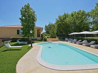 Bright Villa with Internet Access and Dishwasher - Mogliano vacation rentals