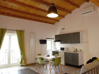 Nice Condo with A/C and Television - Monreale vacation rentals