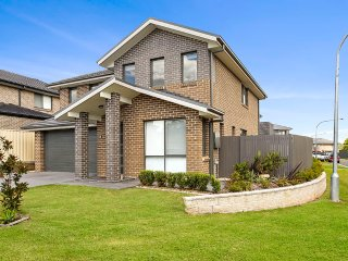 4 bedroom Villa with A/C in Sydney - Sydney vacation rentals