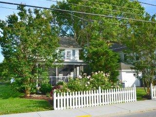 Charming 2 bedroom Vacation Rental in Chincoteague Island - Chincoteague Island vacation rentals