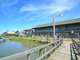 Romantic 1 bedroom Chincoteague Island Apartment with Internet Access - Chincoteague Island vacation rentals