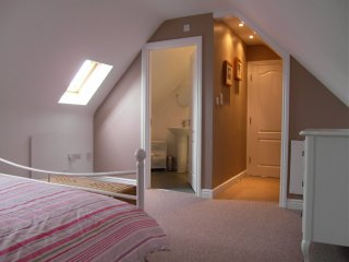 Perfect 1 bedroom Swindon House with Internet Access - Swindon vacation rentals