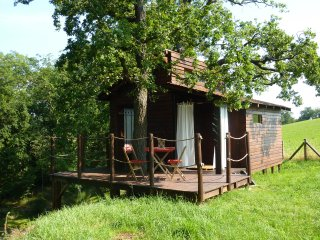 Romantic 1 bedroom Saint-Marcel-de-Felines Tree house with Balcony - Saint-Marcel-de-Felines vacation rentals