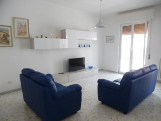 Nice Condo with A/C and Elevator Access - Mola di Bari vacation rentals
