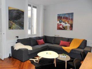 Coeur de Lyon, LE FRANKLIN, Chaleureux et Confort - Lyon vacation rentals