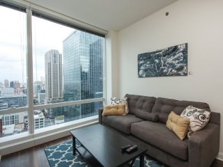 LUXURIOUS 1 BEDROOM APARTMENT IN CHICAGO - Chicago vacation rentals