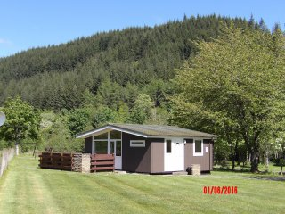 Cozy 2 bedroom Lodge in Invermoriston with Internet Access - Invermoriston vacation rentals