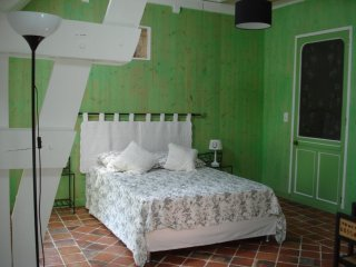 Nice Bed and Breakfast with Internet Access and Housekeeping Included - Valognes vacation rentals