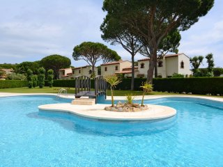 RACO DEL GOLF 12 - Mas Pinell vacation rentals
