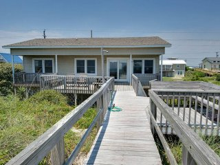 Nice House with Internet Access and Shared Outdoor Pool - Emerald Isle vacation rentals