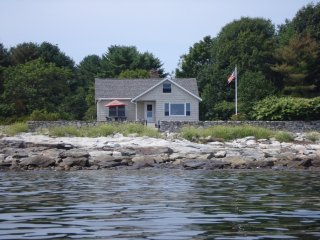 Charming 2 bedroom Cape Neddick Cottage with Internet Access - Cape Neddick vacation rentals