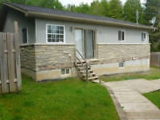 New prices, Cottage rental BOOK NOW - Kawartha Lakes vacation rentals