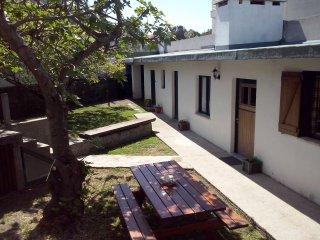 Nice 1 bedroom Moledo House with Parking - Moledo vacation rentals