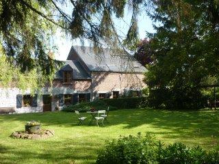 taille à genettes cadre champêtre - Froidchapelle vacation rentals