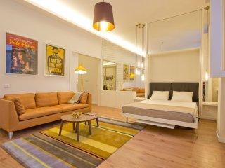 *** Modern Design Apartment *** - Porto vacation rentals