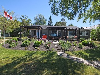 Lakeview Treasure cottage (#1013) - Sauble Beach vacation rentals