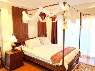 Beautiful home, 3 bed3 bath with swimming pool - San Kamphaeng vacation rentals