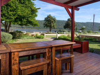 Gorgeous Sedgefield vacation House with Satellite Or Cable TV - Sedgefield vacation rentals