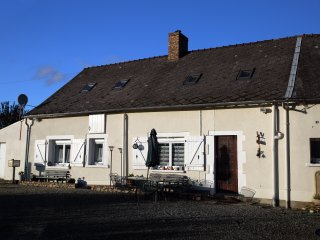 Cozy 2 bedroom Le Mans Bed and Breakfast with Internet Access - Le Mans vacation rentals