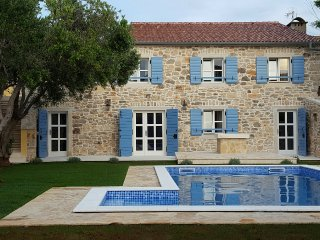 Exclusive Holiday Villa Laguna - Vir vacation rentals