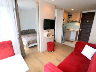 Modern apartment in Patong center pool+gym - Patong vacation rentals