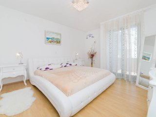 Lovely Condo with Internet Access and Parking - Zadar vacation rentals