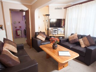 Prima Apartment free WIFI,Camps Bay, Cape Town - Camps Bay vacation rentals