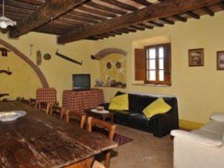5 bedroom Villa in Sarteano, Siena Area, Tuscany, Italy : ref 2230421 - Sarteano vacation rentals