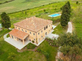 2 bedroom Villa in Castelfalfi, Tuscany, Italy : ref 2268125 - Ghizzano vacation rentals