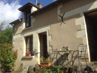 Nice Gite with Internet Access and Satellite Or Cable TV - Saint-Remy-sur-Creuse vacation rentals