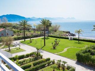 Residence direttamente sul mare, bilocale n° 21A - Policastro Bussentino vacation rentals