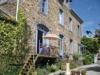 Pear Blossom House, Chambres D'hôtes (B&B) - Mur-de-Bretagne vacation rentals
