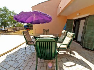 Nice Condo with Washing Machine and Television - Banjole vacation rentals