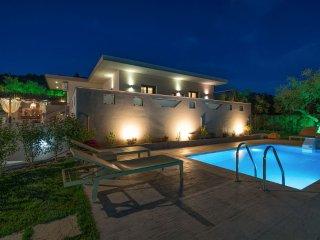 Vatia 2-Bedroom Villa with Private Pool - Tragaki vacation rentals