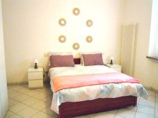 Marrucci House II, vicin. mare, 2 locali, 4 person - Cecina vacation rentals