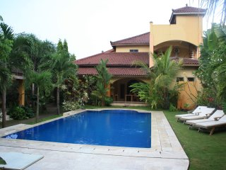 AdaWaktu, Jogja, swim in pool and relax in garden! - Pleret vacation rentals