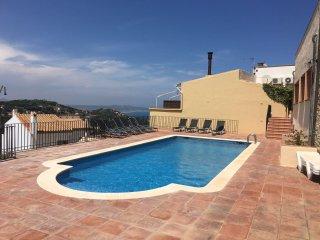 2 Bedroom Apt Centre Begur, pool & beautiful views - Begur vacation rentals