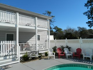 *SPECIAL* Beautiful Tropical Vacation Beach House - North Myrtle Beach vacation rentals