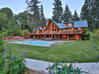 Heaven Can Wait ~ Private Riverfront Lodge - Plain vacation rentals