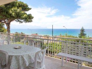 Vista Panoramica - Ideale per gruppi numerosi! - Alcamo vacation rentals
